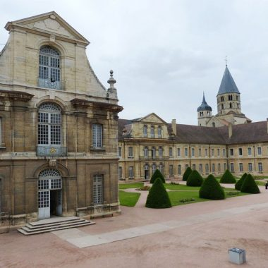Visiter Cluny